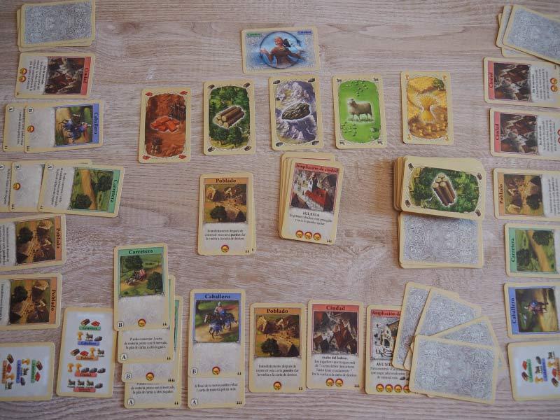 Partida a punto de comenzar de Catán, el juego de cartas