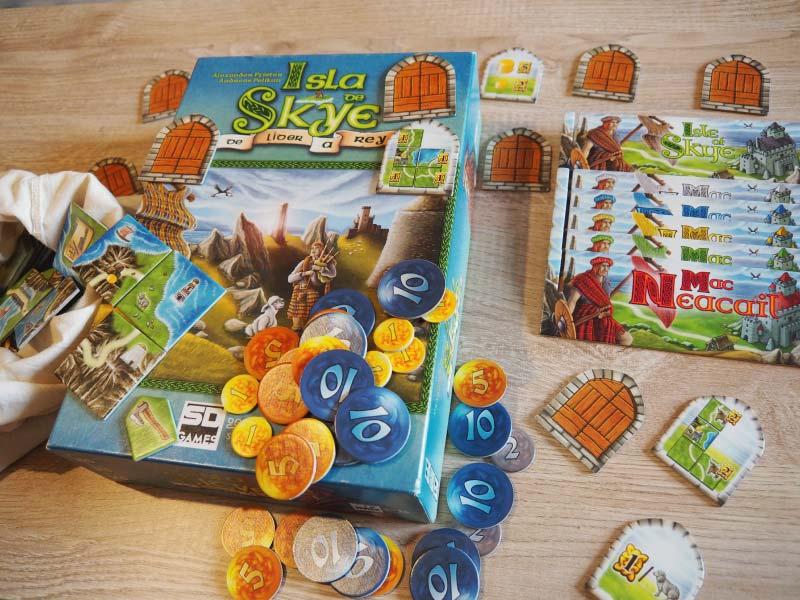 Componentes del juego de mesa Isla de Skye, de líder a rey