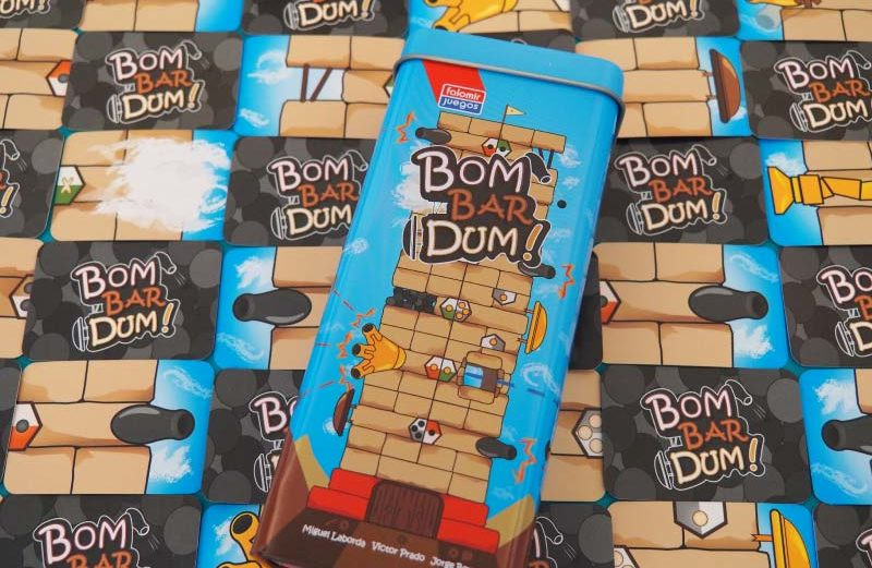 Construyendo la torre más alta en Bombardum!