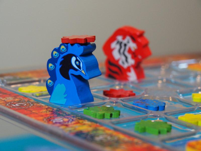 El jugador azul es golpeado por el jugador rojo
