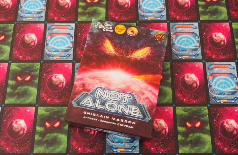 Not Alone, el juego de mesa de supervivencia espacial