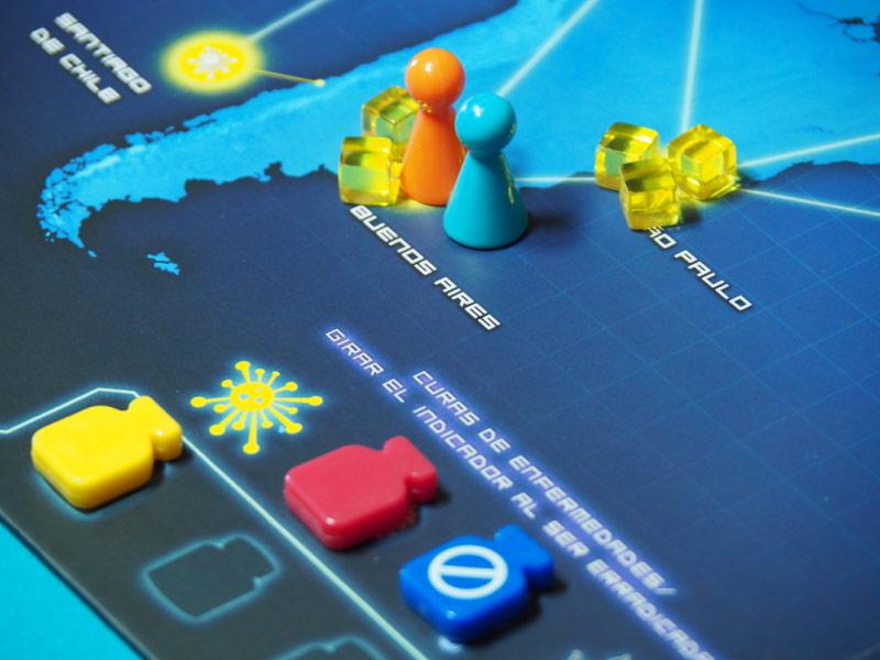 Los jugados llegan a una ciudad para intercambiar cartas