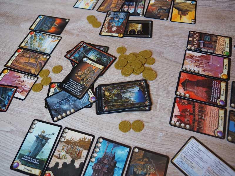 Desarrollo de una ronda de juego en Ciudadelas
