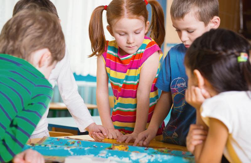 Juegos de mesa educativos por edades: aprender jugando