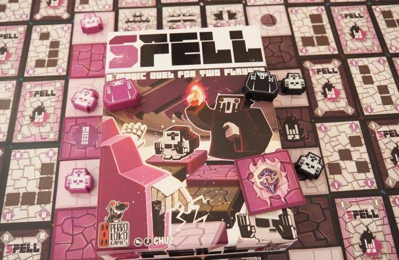 SPELL, juego de mesa con duelos mágicos y laberintos móviles