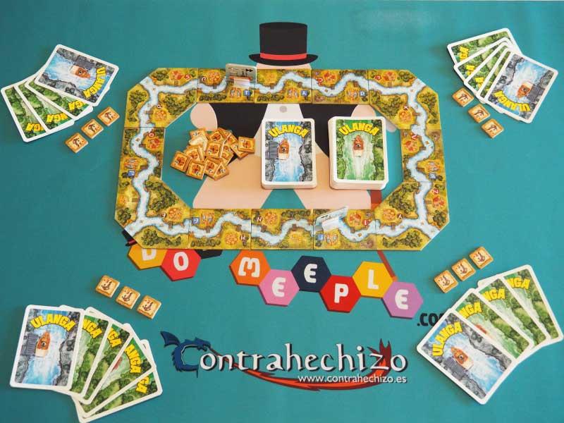 Así se dispone la mesa de juego para 4 jugadores