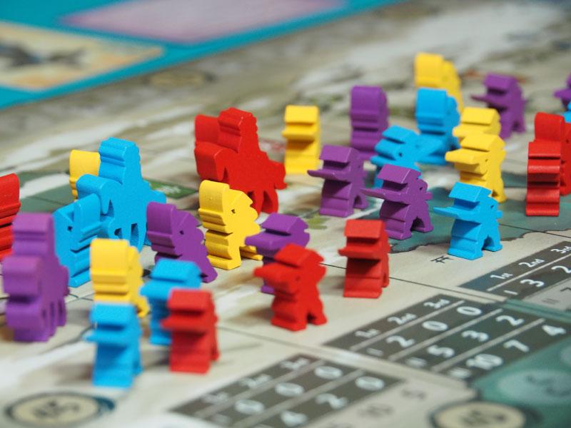 Usemos nuestras cartas para canjearlas por puntos de acción con las que desplazarnos