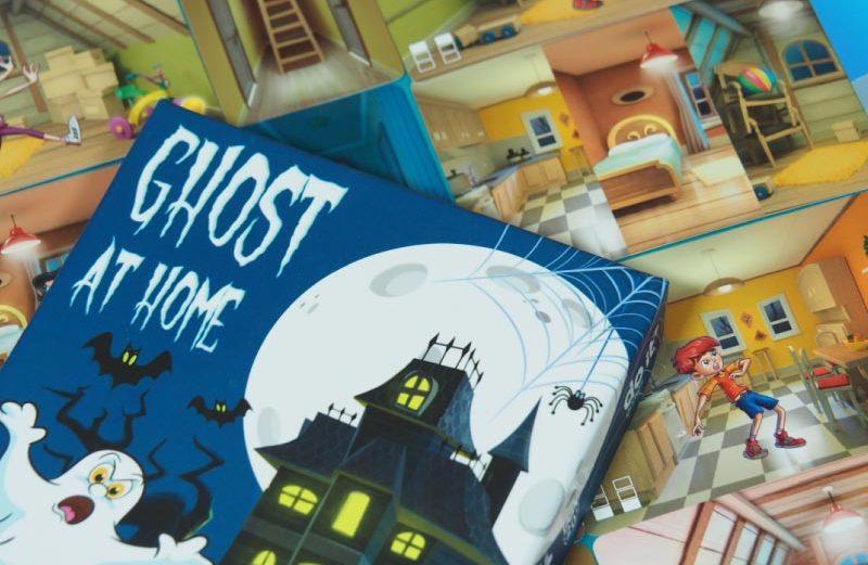 Ghost at Home, huyendo de la casa encantada