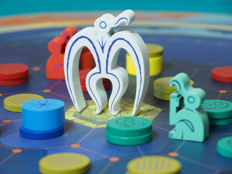 Solo un jugador logrará invocar a Make Make con el amuleto
